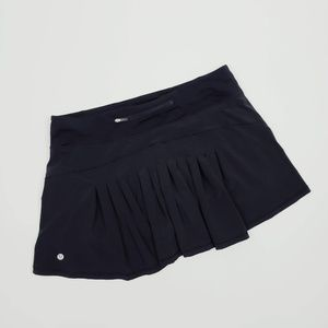 Lululemon Pleated Black Skirt Size 10